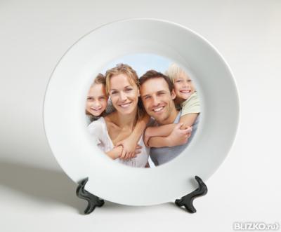 печать на тарелке фото