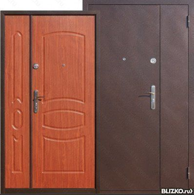 большие входные двери в дом